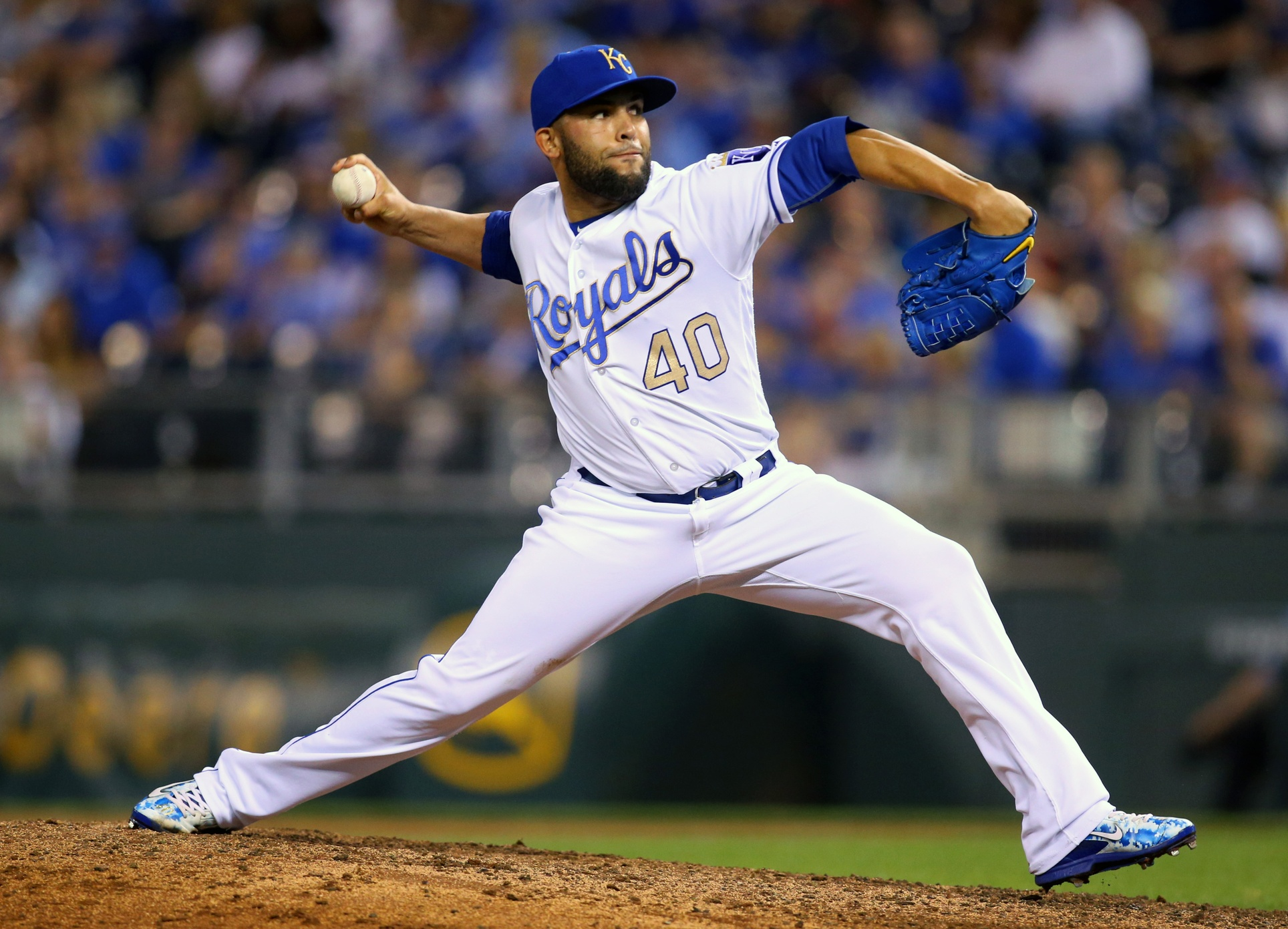 Sep 8, 2017; Kansas City, MO, USA; Kansas City Royals relief pitcher Kelvin Herrera (40) pitches against the Minnesota Twins in the eighth inning at Kauffman Stadium. Mandatory Credit: Jay Biggerstaff-USA TODAY Sports